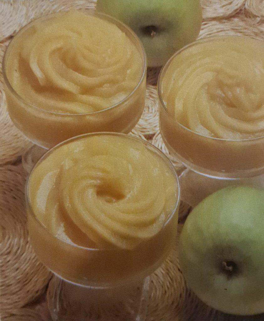 Compote de pommes à la canelle